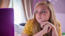 Eighth Grade di Bo Burnham: è il film rivelazione dell'anno. Ha al suo attivo 3 Los Angeles Online Film Critics Society Awards (miglior opera prima, miglior film indipendente, miglior perfomance femminile sotto i 23 anni), il Chicago Film Critics Association Awards (miglior giovane promessa), 2 New York Film Critics Online Awards (miglior regista esordiente e miglior attrice rivelazione), 1 San Diego Film Critics Society Award (miglior sceneggiatura originale), 1 Online Association of Female Film Critics Awards e 1 Las Vegas Film Critics Society Award (miglior attrice rivelazione)