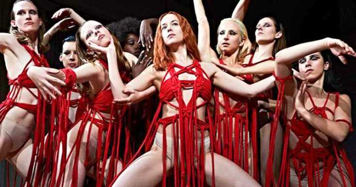 e9e69d61-5047-4627-9f2f-f96cbcd3963a-suspiria-remake-dakota-johnson-photo-blood-ballet